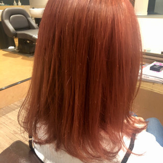 セミロング ピンク ピンクブラウン ストリート ヘアスタイルや髪型の写真・画像