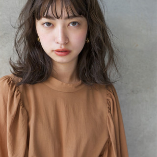 ショート 女子力 ミディアム 小顔 ヘアスタイルや髪型の写真・画像 ヘアスタイルや髪型の写真・画像