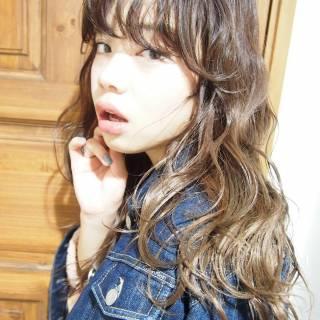 くせ毛風 ロング ストリート 外国人風 ヘアスタイルや髪型の写真・画像