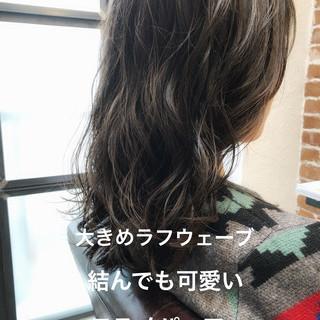 ゆるふわ ナチュラル セミロング デジタルパーマ ヘアスタイルや髪型の写真・画像