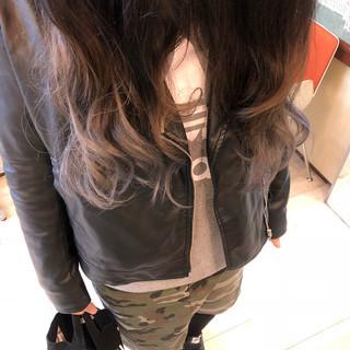 外国人風カラー グラデーションカラー グレージュ ロング ヘアスタイルや髪型の写真・画像 ヘアスタイルや髪型の写真・画像