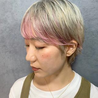 インナーカラー 前髪インナーカラー ピンクカラー ストリート ヘアスタイルや髪型の写真・画像 ヘアスタイルや髪型の写真・画像