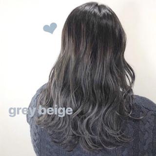 グレージュ グラデーションカラー ブルージュ ナチュラル ヘアスタイルや髪型の写真・画像