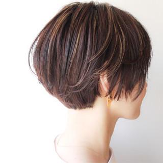 コンサバ ハイライト ショート 大人かわいい ヘアスタイルや髪型の写真・画像