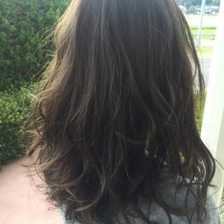 外国人風カラー ブルーアッシュ アッシュ セミロング ヘアスタイルや髪型の写真・画像
