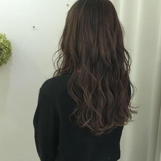バレイヤージュ 外国人風カラー アッシュグレージュ ハイライト ヘアスタイルや髪型の写真・画像