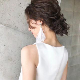 アンニュイ 結婚式 ナチュラル ウェーブ ヘアスタイルや髪型の写真・画像