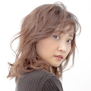 ミディアム 外国人風カラー 抜け感 ガーリー ヘアスタイルや髪型の写真・画像