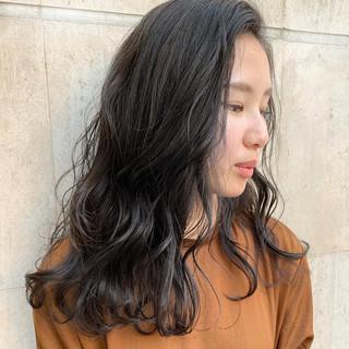 大人かわいい アンニュイほつれヘア グレージュ 大人女子 ヘアスタイルや髪型の写真・画像