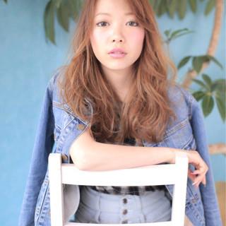 フェミニン パーマ 外国人風 ロング ヘアスタイルや髪型の写真・画像