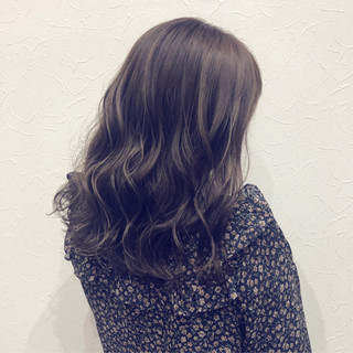 ナチュラルグラデーション 透明感カラー ガーリー グレージュ ヘアスタイルや髪型の写真・画像
