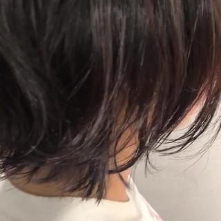 パープル インナーカラー ナチュラル 外ハネ ヘアスタイルや髪型の写真・画像