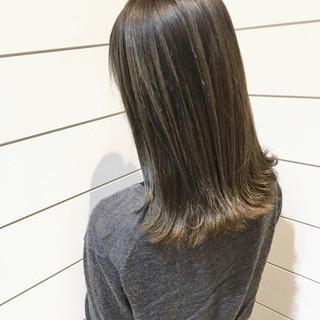 グレージュ ブラウン 外国人風 ハイライト ヘアスタイルや髪型の写真・画像