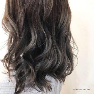 派手髪 3Dハイライト 暗髪 ブリーチ必須 ヘアスタイルや髪型の写真・画像