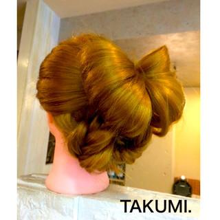 外国人風 ヘアアレンジ フィッシュボーン 編み込み ヘアスタイルや髪型の写真・画像