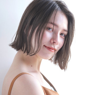 外国人風カラー リラックス ショート 小顔 ヘアスタイルや髪型の写真・画像 ヘアスタイルや髪型の写真・画像
