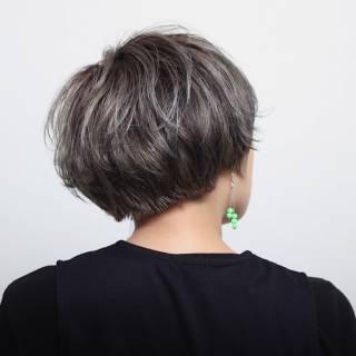 ショート ストリート カール ヘアスタイルや髪型の写真・画像