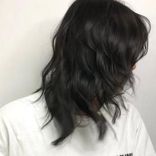 外国人風カラー ブルーアッシュ ブルーブラック ストリート ヘアスタイルや髪型の写真・画像