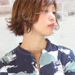 パーマ ウェットヘア ピュア ハイライト ヘアスタイルや髪型の写真・画像