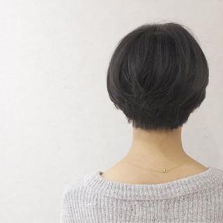 ショート グレージュ ナチュラル 黒髪 ヘアスタイルや髪型の写真・画像
