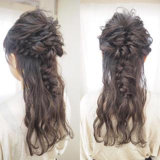 ハーフアップ 波ウェーブ ロング 編み込み ヘアスタイルや髪型の写真・画像