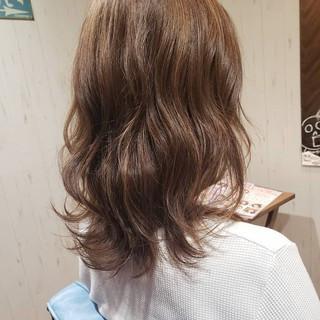 グレージュ フェミニン 女子力 おフェロ ヘアスタイルや髪型の写真・画像