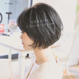 暗髪 ショート ストリート ハンサムショート ヘアスタイルや髪型の写真・画像