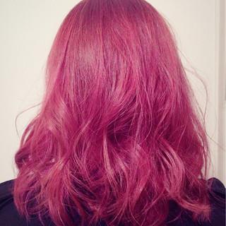 ダブルカラー 外国人風 ストリート ピンク ヘアスタイルや髪型の写真・画像