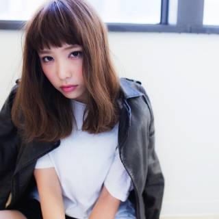 ストリート ミディアム モード 暗髪 ヘアスタイルや髪型の写真・画像