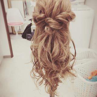 ハーフアップ ショート くせ毛風 ミディアム ヘアスタイルや髪型の写真・画像