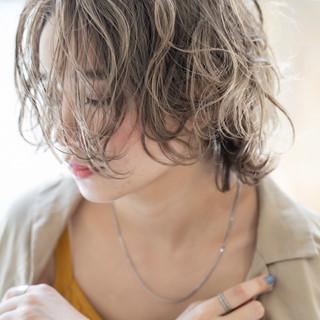 アディクシーカラー ミニボブ 波ウェーブ ボブ ヘアスタイルや髪型の写真・画像