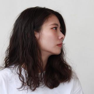 ミディアム ナチュラルデジパ パーマ ナチュラル ヘアスタイルや髪型の写真・画像