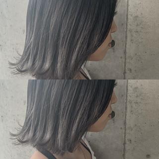 透明感カラー ホワイトグレージュ グラデーションカラー ボブ ヘアスタイルや髪型の写真・画像