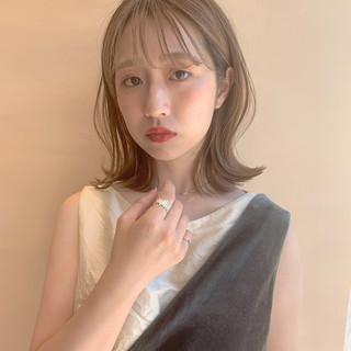 ミディアム 透明感 ロブ レイヤー ヘアスタイルや髪型の写真・画像