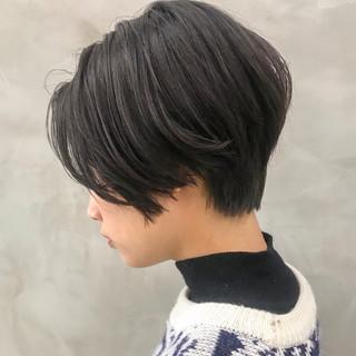 デート アウトドア パーマ ハンサムショート ヘアスタイルや髪型の写真・画像
