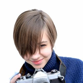 ショートボブ 外国人風 レイヤーカット 大人かわいい ヘアスタイルや髪型の写真・画像