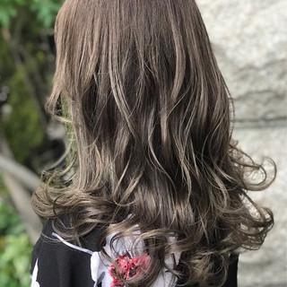 暗髪 外国人風カラー セミロング アッシュ ヘアスタイルや髪型の写真・画像