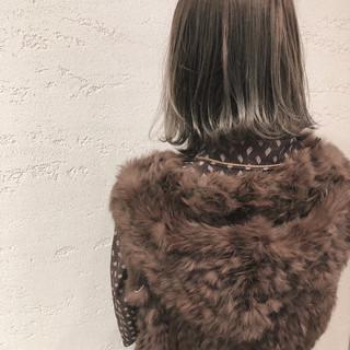 ボブ 外ハネ ブルージュ 小顔 ヘアスタイルや髪型の写真・画像 ヘアスタイルや髪型の写真・画像