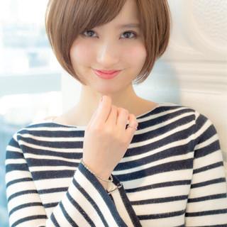 ショート ナチュラル 小顔 ニュアンス ヘアスタイルや髪型の写真・画像 ヘアスタイルや髪型の写真・画像