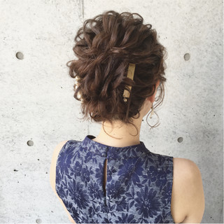 ヘアアレンジ 大人かわいい ナチュラル 結婚式 ヘアスタイルや髪型の写真・画像 ヘアスタイルや髪型の写真・画像