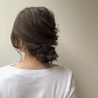 ルーズ ショート ナチュラル 三つ編み ヘアスタイルや髪型の写真・画像 ヘアスタイルや髪型の写真・画像