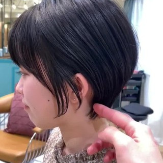 横顔美人 ショートヘア 可愛い ショート ヘアスタイルや髪型の写真・画像
