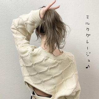 ハイライト ロング ミルクティーグレージュ ガーリー ヘアスタイルや髪型の写真・画像