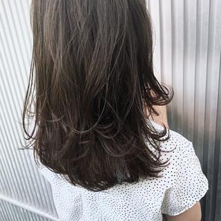アッシュ ナチュラル 女子力 ロング ヘアスタイルや髪型の写真・画像