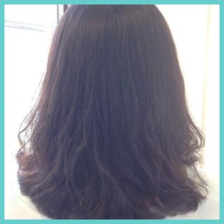 ナチュラル パーマ 上品 黒髪 ヘアスタイルや髪型の写真・画像 ヘアスタイルや髪型の写真・画像
