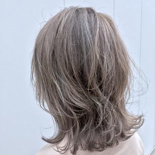 こなれ感 ハイライト ストリート ミディアム ヘアスタイルや髪型の写真・画像