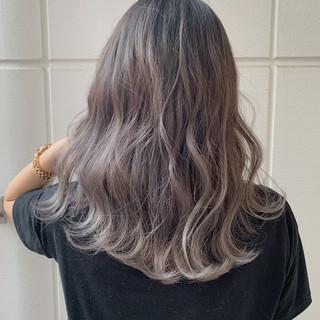 ヘアアレンジ ミディアム ラベンダーアッシュ デート ヘアスタイルや髪型の写真・画像