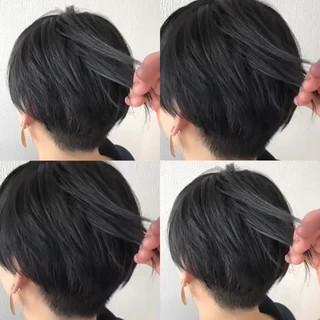 ショート ブリーチ グラデーションカラー ストリート ヘアスタイルや髪型の写真・画像