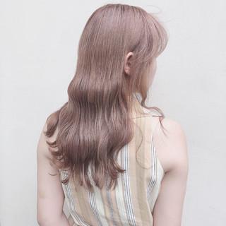 ロング アッシュグレージュ ナチュラル オリーブベージュ ヘアスタイルや髪型の写真・画像