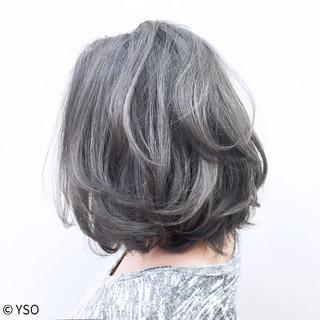 ハイライト ストリート シルバーアッシュ グレー ヘアスタイルや髪型の写真・画像